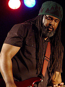 Alvin Youngblood Hart - Treat Her Like A Lady