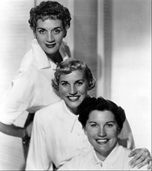 Andrews Sisters - Ferry Boat Serenade